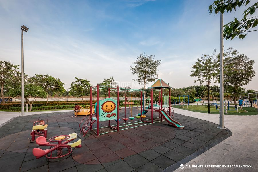 Khu vui chơi trẻ em trong khuôn viên dự án