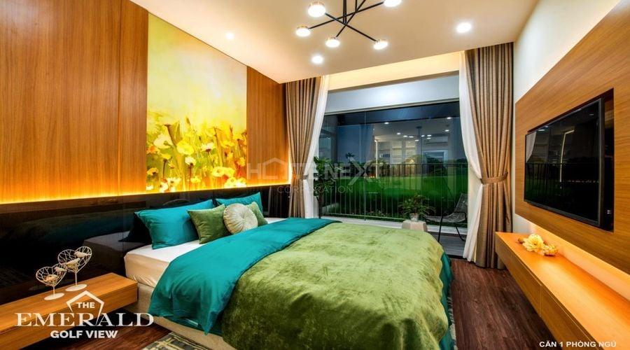 Phòng ngủ tại The Emerald Golf ưa chuộng gam màu ấm