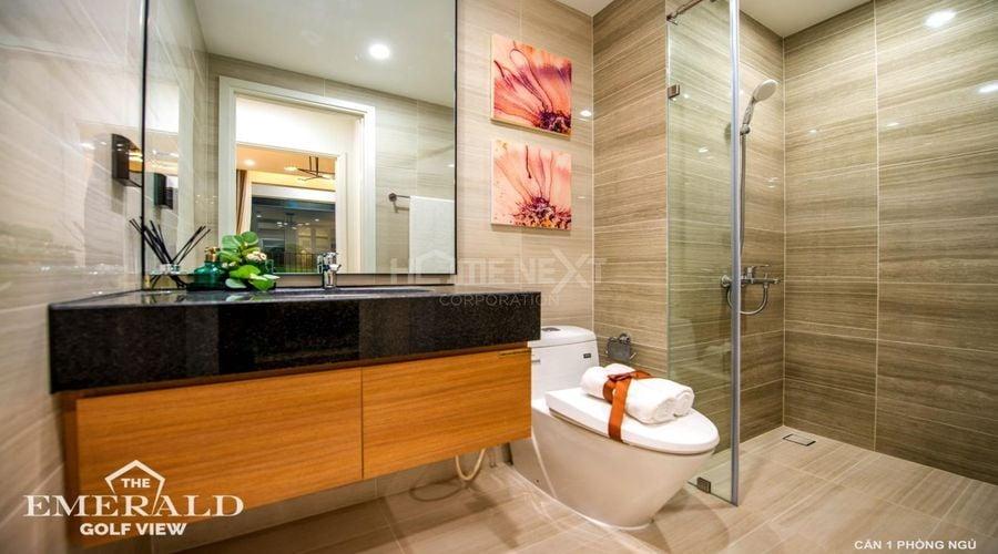 Phòng tắm trong căn 1 phòng ngủ của Emerald Bình Dương