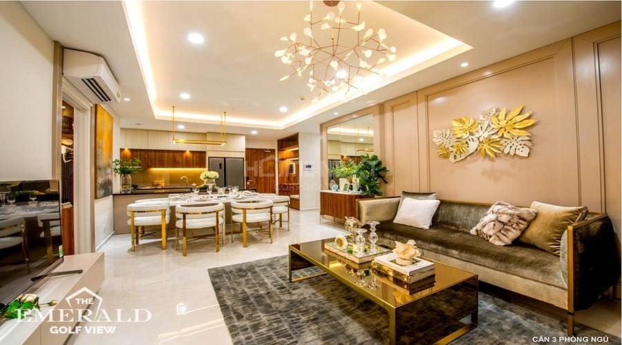 Phòng khách căn 3 phòng ngủ của Emerald Golf View chuẩn đẳng cấp 5 sao