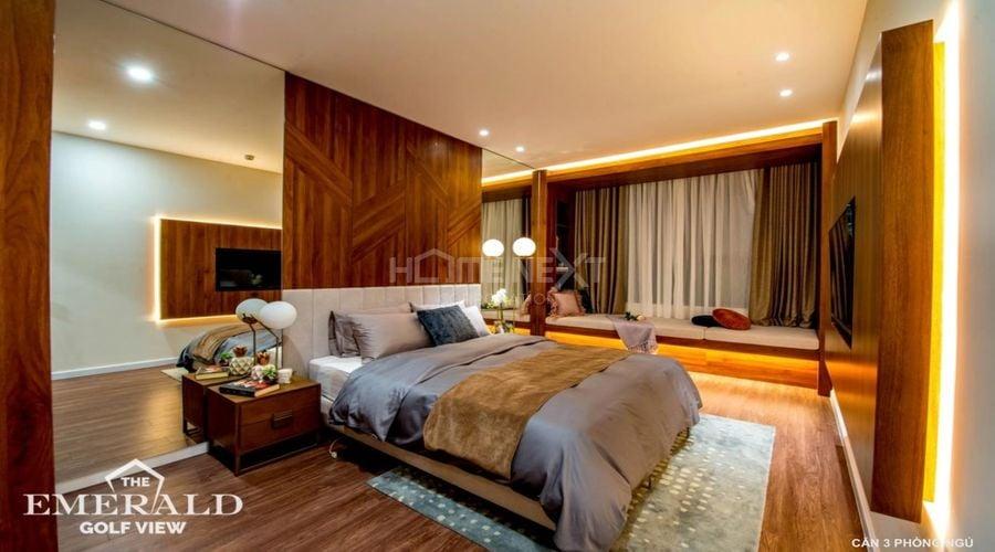 Phòng ngủ lớn căn hộ 3 phòng ngủ tại The Emerald