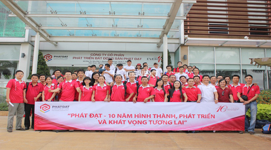 nhân viên tại công ty BĐS Phát Đạt