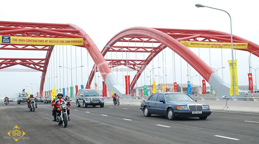 Đại lộ Nguyễn Văn Ninh khúc cầu Ông Lớn