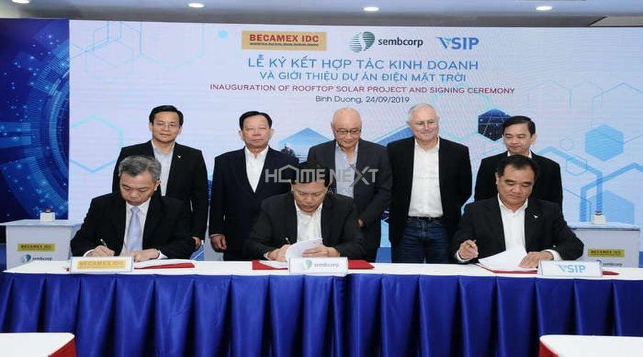 Lễ ký kết hợp tác kinh doanh giữa Becamex IDC và Sembcorp