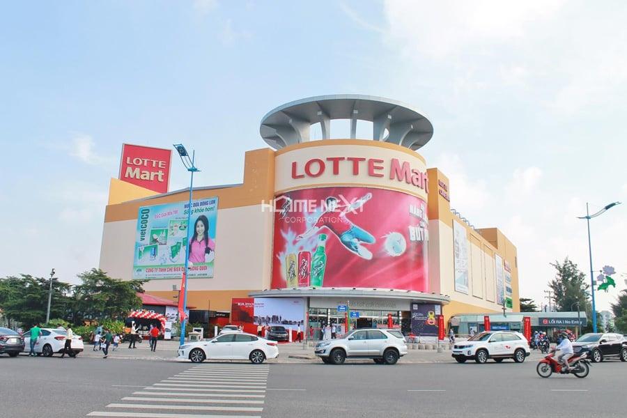 Đi đến siêu thị Lotte liền kề với dự án căn hộ Phát Đạt