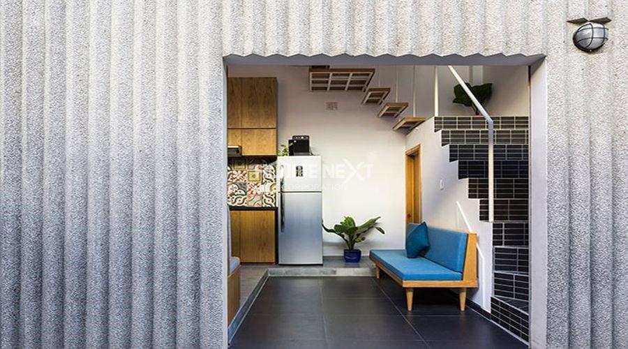 Chiều cao của tầng 1 được đẩy lên gần gấp đôi so với một ngôi nhà bình thường