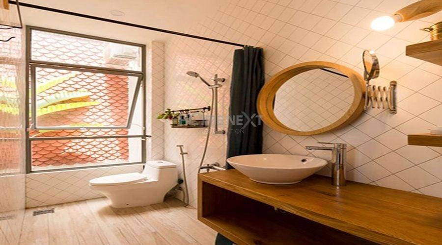 Nhà vệ sinh hiện đại tối giản