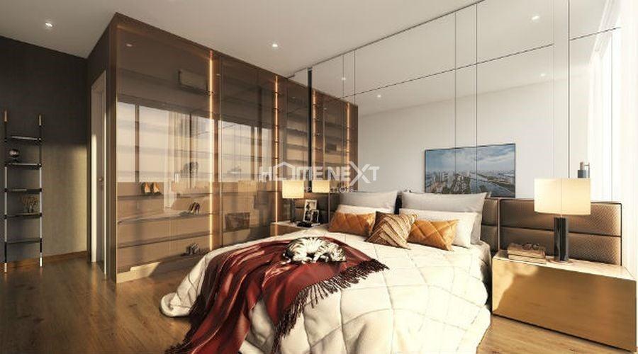 Một chiếc giường rộng lớn được thiết kế riêng cho gia chủ