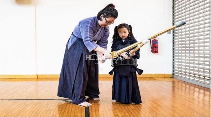 Nghệ thuật Kiếm đạo được tập luyện với bộ trang phục truyền thống của Nhật Bản