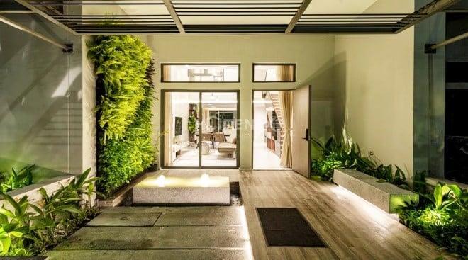 Tận hưởng không gian xanh mát bên trong nhà phố