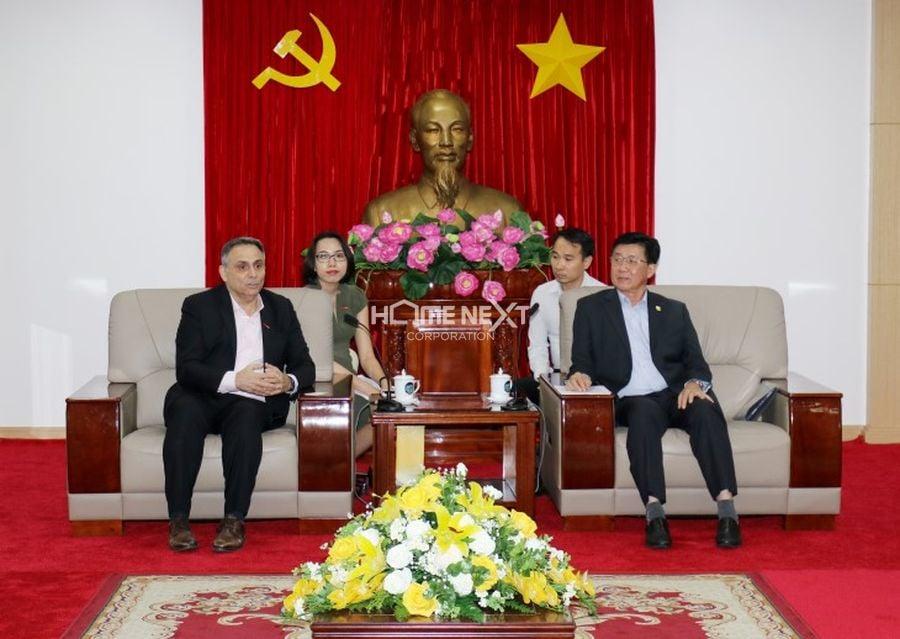 Tổng giám đốc Central Retail Việt Nam và Phó chủ tịch UBND tỉnh Bình Dương